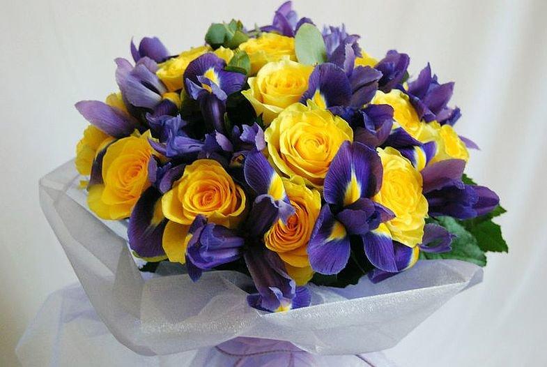 Цветы, желтые роза ирисы букет