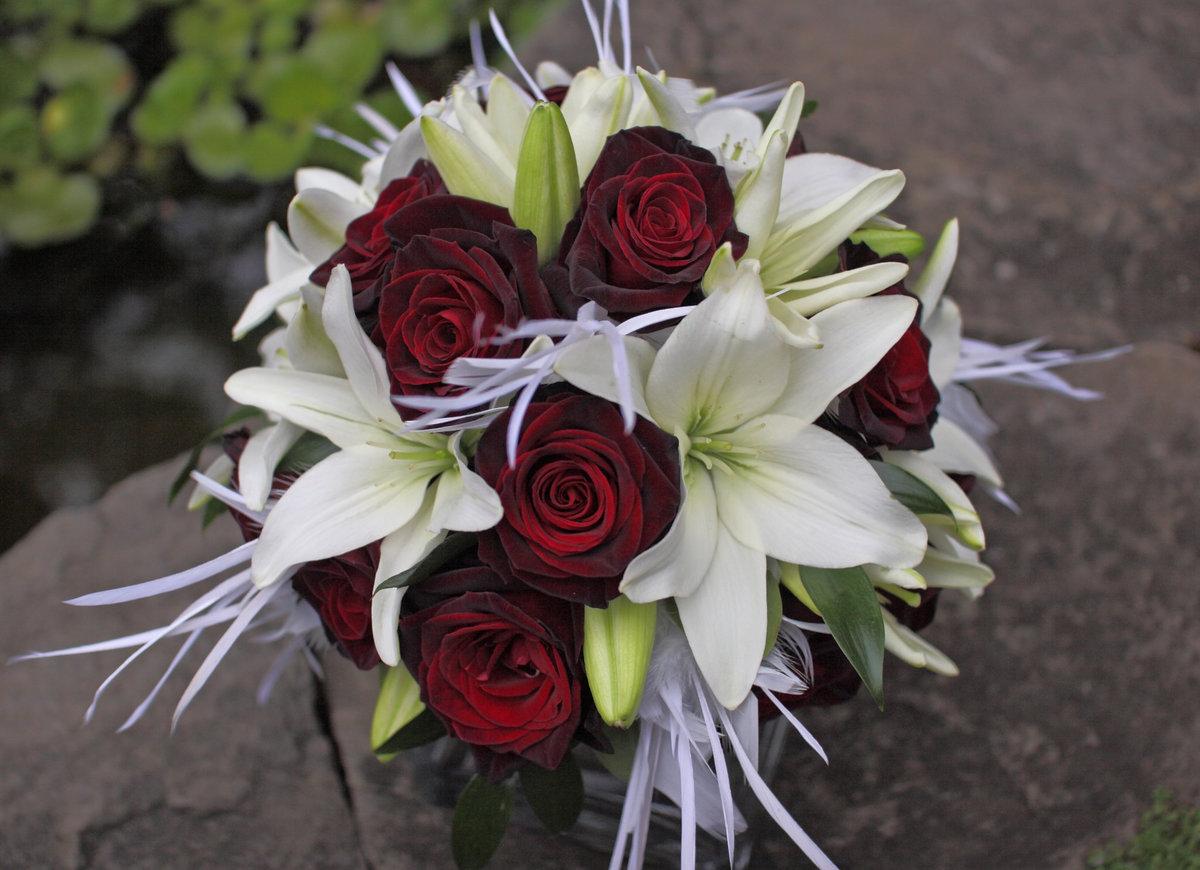 лилии с розами букет фото